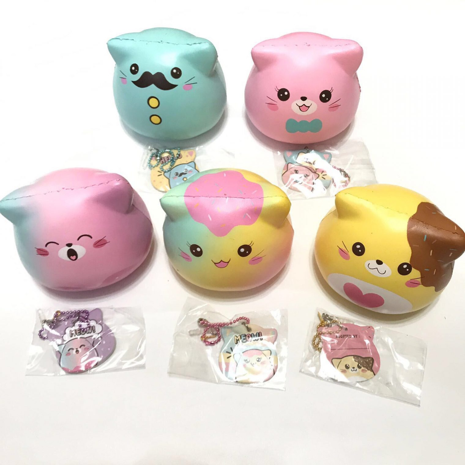 Adopt me! Jumbo sweet marshmallow kitty squishy ! ~ Puni Maru